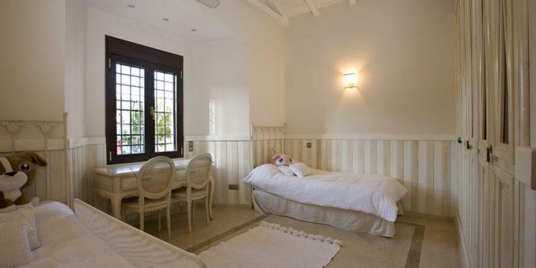 dormitorio_poco_habitual_casa_lujo_benalmadena_costa_del_sol