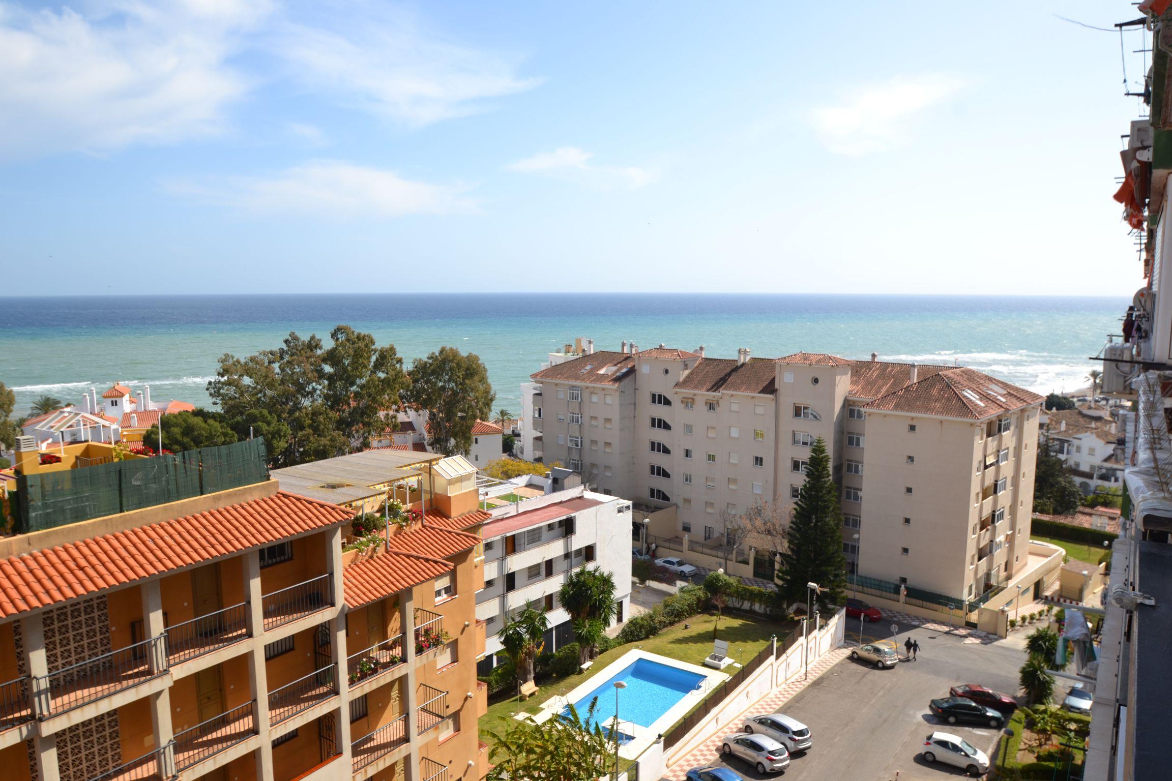 Apartamento en segunda línea de playa en Benalmádena costa.