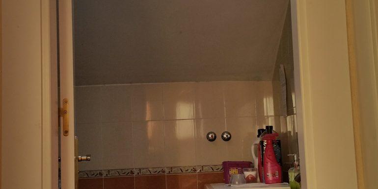 14 baño de arriba (1) ahora mismo lavadero