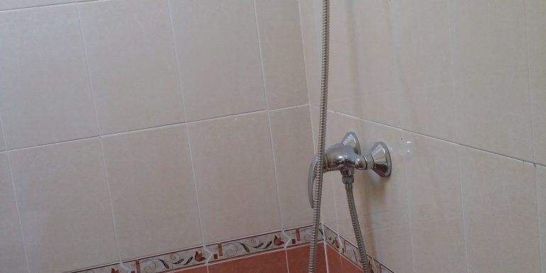 14 baño de arriba